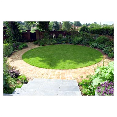 Gap photos garden plant picture library view from for Circular garden designs