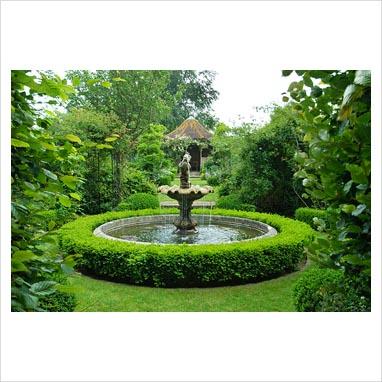 Gap photos garden plant picture library raised for Circular garden ponds