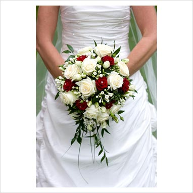 Red And White Bridal Bouquet F F 2017