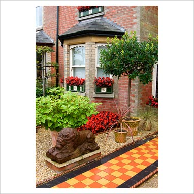 GAP Photos - Garden & Plant Picture Library - Front garden of ...