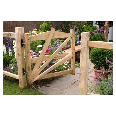 Gap photos garden plant picture library wooden gate for Wooden garden gate plans and designs
